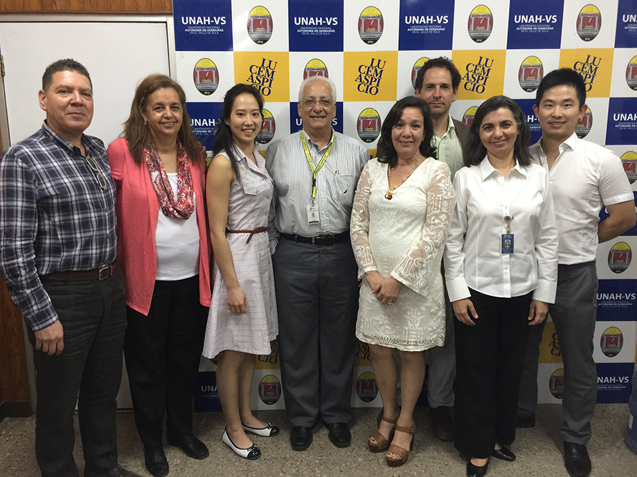 From left to right : Pedro Mejia, Dre Luisamaria Pineda epidemiologist; Alison Wong, pharmacist, Dr Francisco Herrera, director, Universidad Nacional autonoma de Honduras campus Valle de Sula (UNAH-VS); Dre Ruby Perla, pharmacist, Dr Jason Szabo, treating physician, Dre Martha Lorena Pinto, teacher, UNAH-VS, Dr Tommy Wong