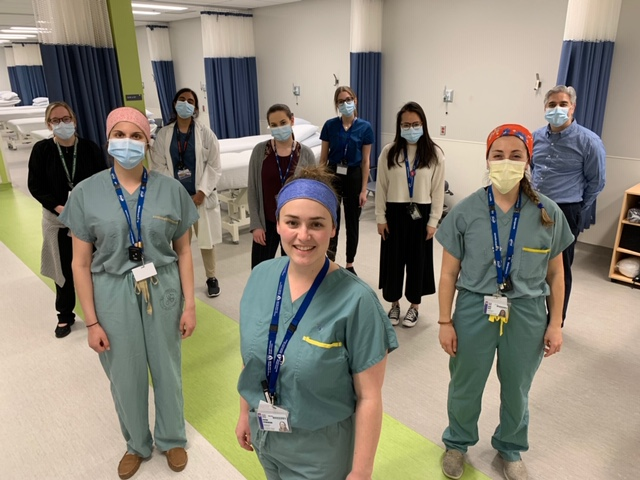 Left to Right: Occupational Therapist Kendra Berry, Kristin Dagenais, Tanvir Dhoot, Laura Schenk, Jaclyn Stevenson, Kelly Epstein, Mai Christine Nguyen, Kelly Race and Kashif Baig, manager of the Department of Occupational Therapy (Adult Sites) at the MUHC.