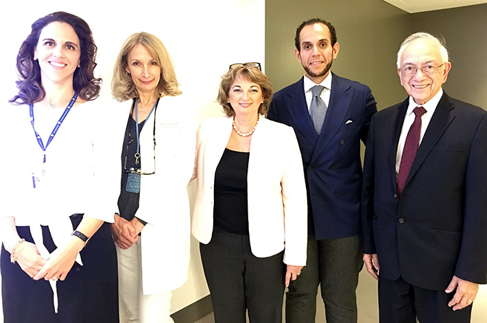 From left to right: Plastic Surgeons Dr. Lucie Lessard and Dr. Omar Fouda Neel, Surgical Oncologists Dr. Michael Thirlwell and Dr. Francine Tremblay and Genetic Counsellor Laura Palma